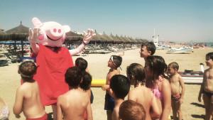 In spiaggia con Peppa Pig...